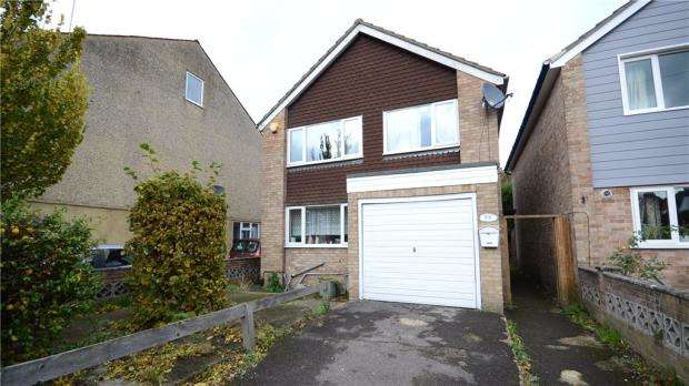 3 Bedrooms Detached House for sale in Stone Street, Reading, Berkshire