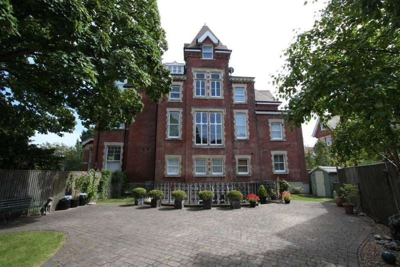 4 Bedrooms Flat for sale in MEADS