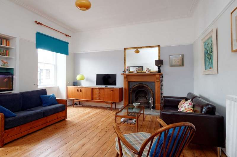 5 Bedrooms Terraced House for sale in Main Street, The Village, Cumbernauld, Glasgow, G67 2RT