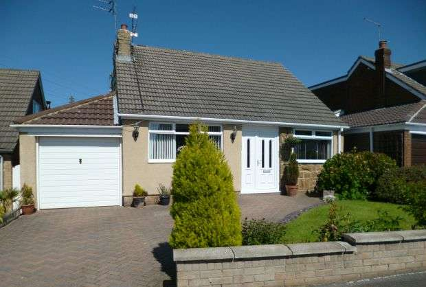 4 Bedrooms Detached House for sale in Warsett Crescent, Skelton