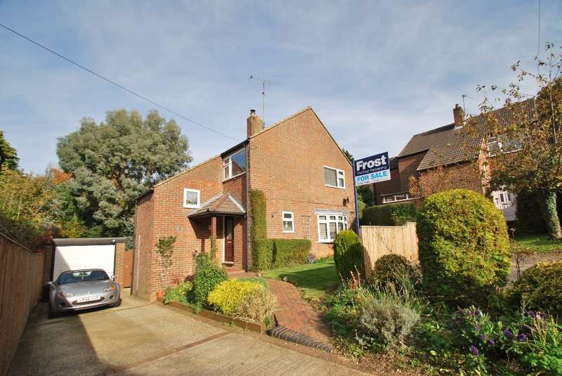 3 Bedrooms Detached House for sale in Harding Road, Chesham, HP5