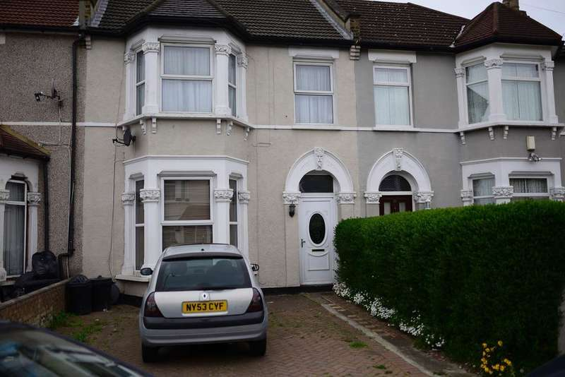 4 Bedrooms Terraced House for sale in Dalkeith Road, Ilford IG1