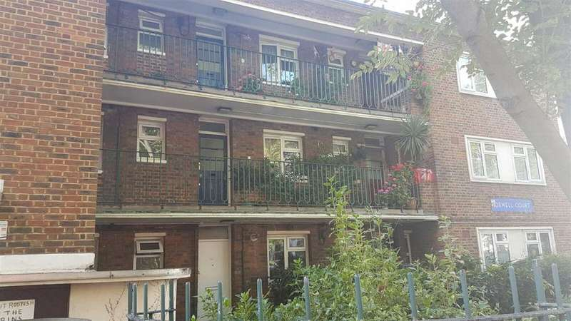 1 Bedroom Flat for sale in Petherton Road, London