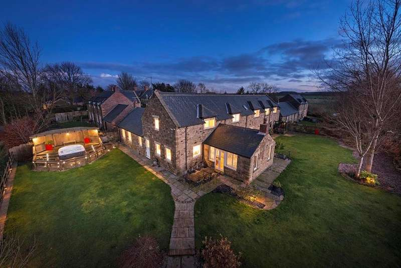 4 Bedrooms Country House Character Property for sale in Oakview House, Netherton Moor Farm, Hartford Bridge, Northumberland NE22