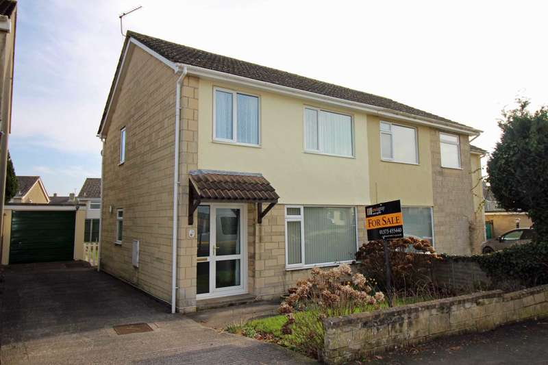 3 Bedrooms Semi Detached House for sale in Orchard Close, Frome