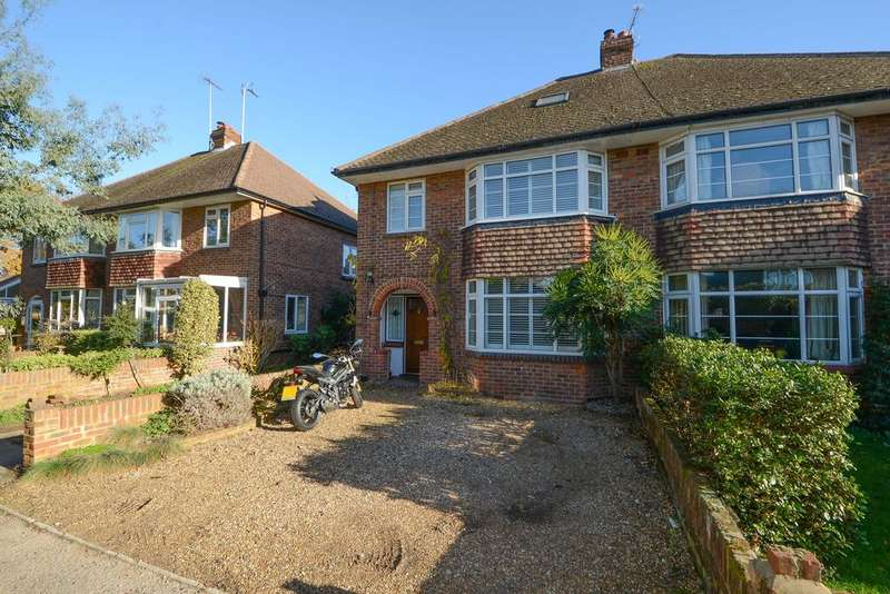 4 Bedrooms Semi Detached House for sale in Chestnut Lane, Weybridge KT13