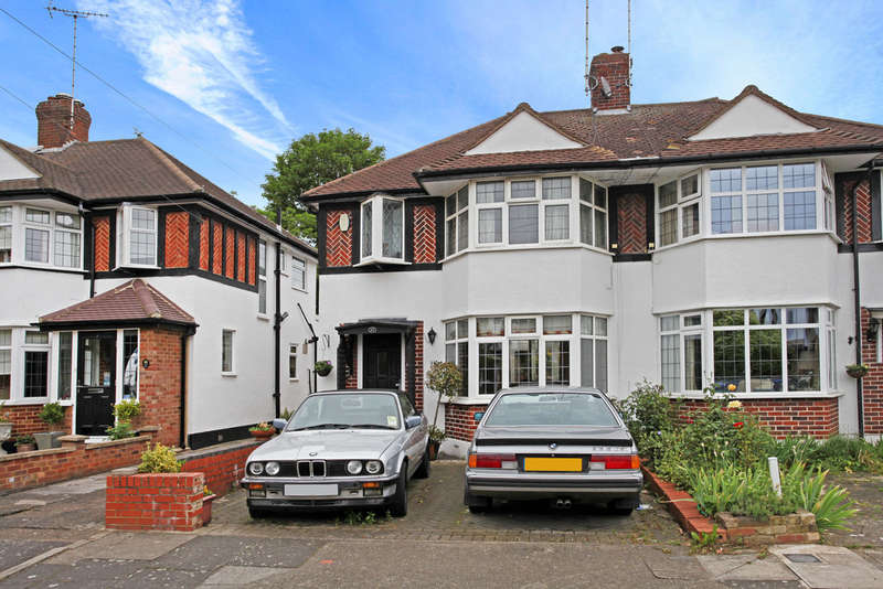 3 Bedrooms Semi Detached House for sale in Garth Road, Kingston upon Thames, KT2