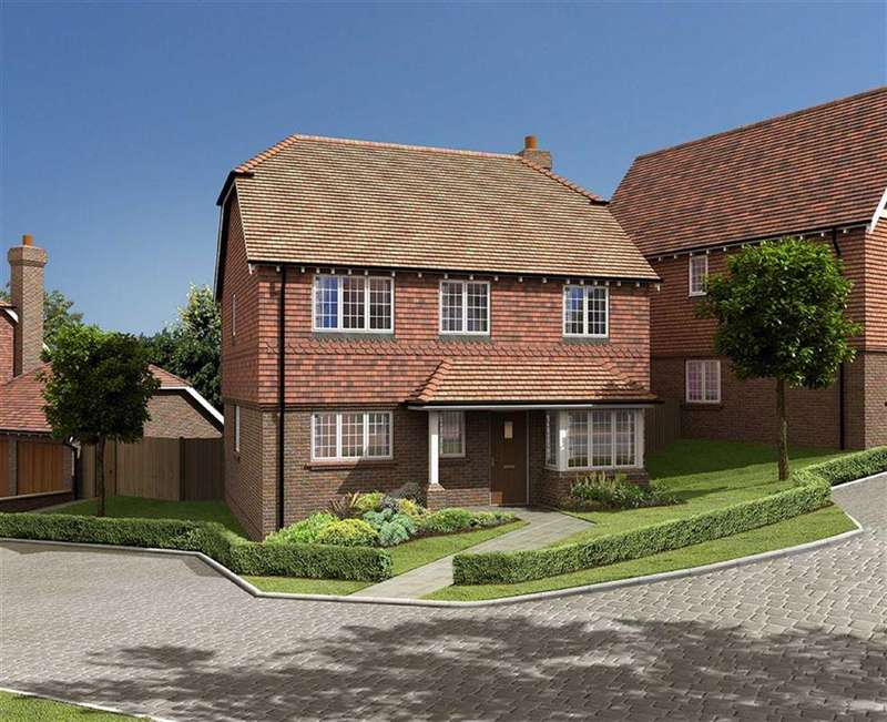 4 Bedrooms Detached House for sale in Clayshaw Place, Off Summerfold, Rudgwick