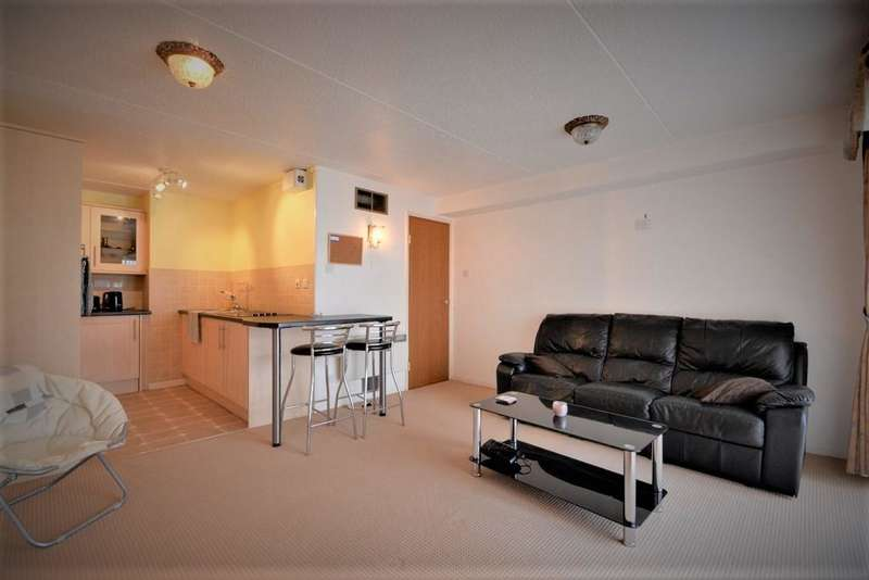 1 Bedroom Apartment Flat for sale in The Promenade, Southport, PR8 1SN
