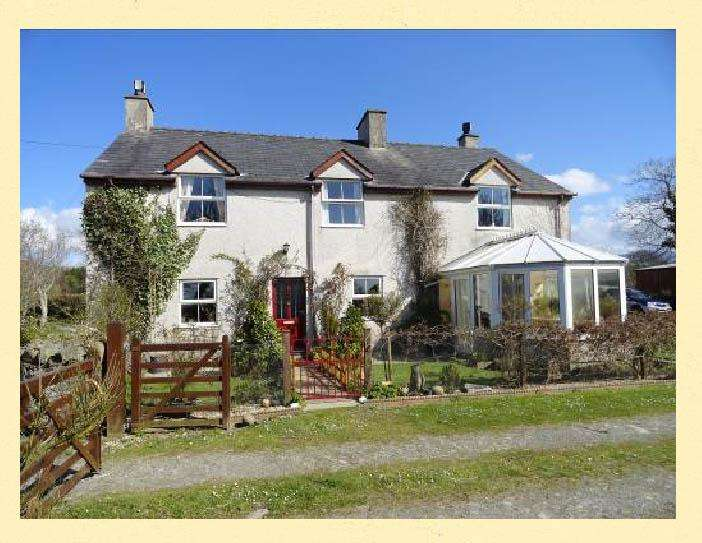 4 Bedrooms Farm House Character Property for sale in Pentir, BANGOR LL57