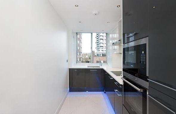 2 Bedrooms Flat for sale in Cambridge square, The Quadrangle W2