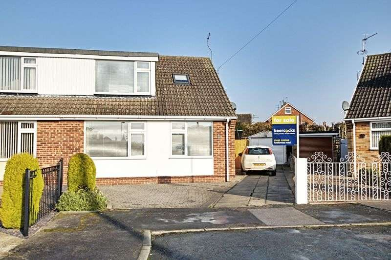 4 Bedrooms Semi Detached Bungalow for sale in Albemarle Road, Hull