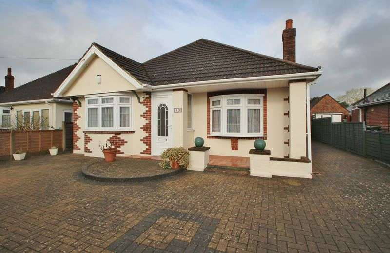 3 Bedrooms Detached Bungalow for sale in New Road, Bournemouth