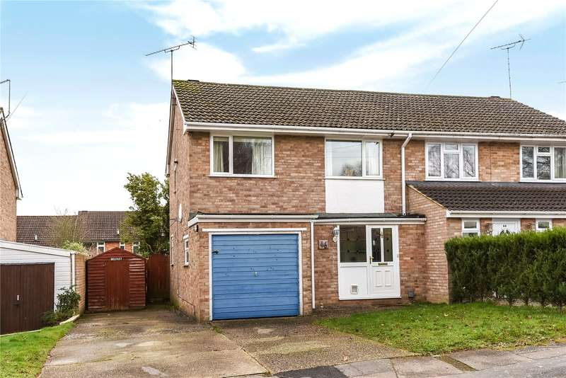 3 Bedrooms Semi Detached House for sale in Whitley Road, Yateley, Hampshire, GU46