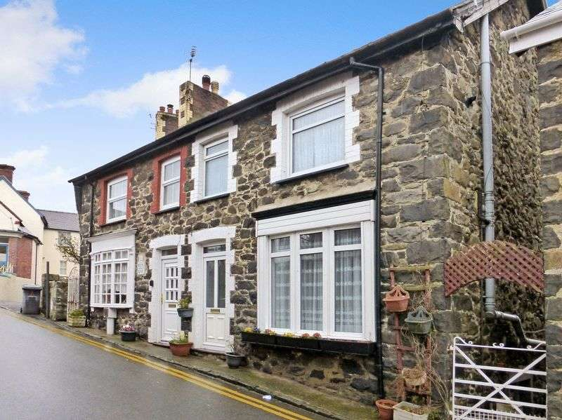 2 Bedrooms Semi Detached House for sale in Llanfairfechan