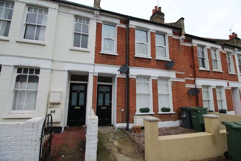 3 Bedrooms Flat for sale in Kingswood Road, Brixton, London SW2