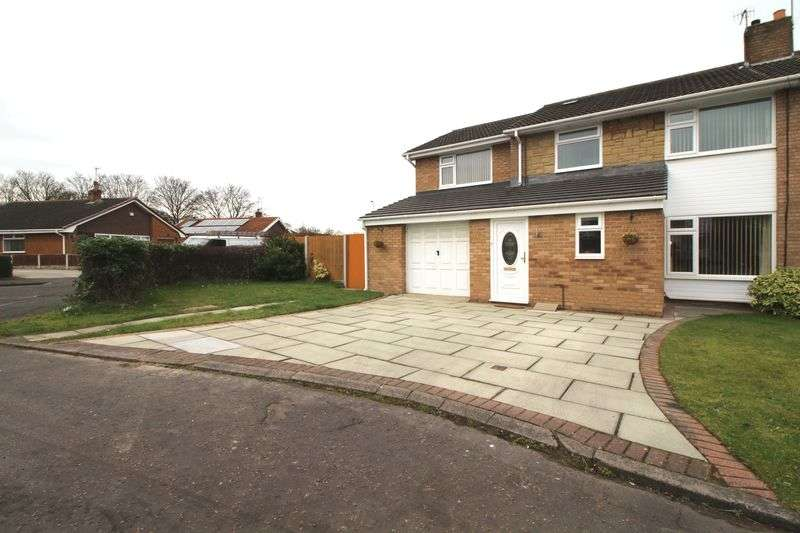 4 Bedrooms Semi Detached House for sale in Weymoor Close, Spital