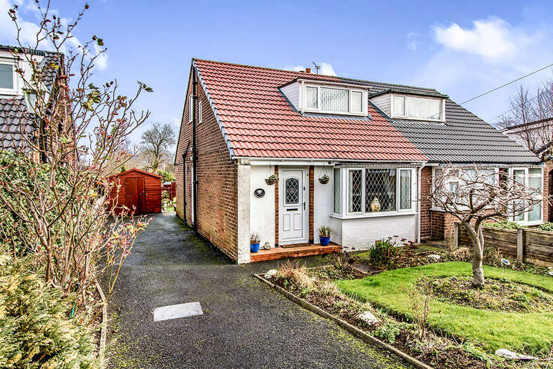 2 Bedrooms Semi Detached House for sale in Harwood Drive, Bury, BL8