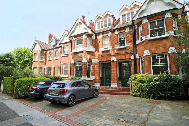2 Bedrooms Flat for sale in PRIORY ROAD, CROUCH END, HORNSEY, LONDON N8