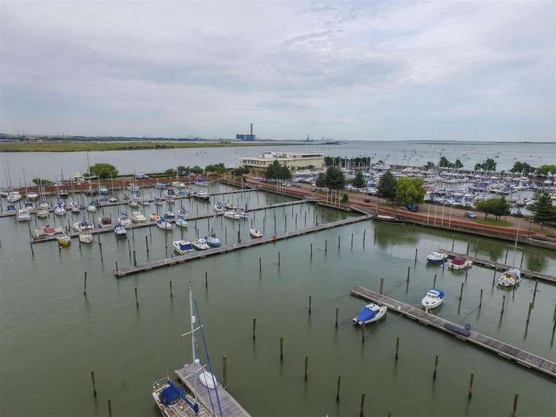 1 Bedroom Apartment Flat for sale in Peninsula Quay, Victory Pier , Gillingham, Kent