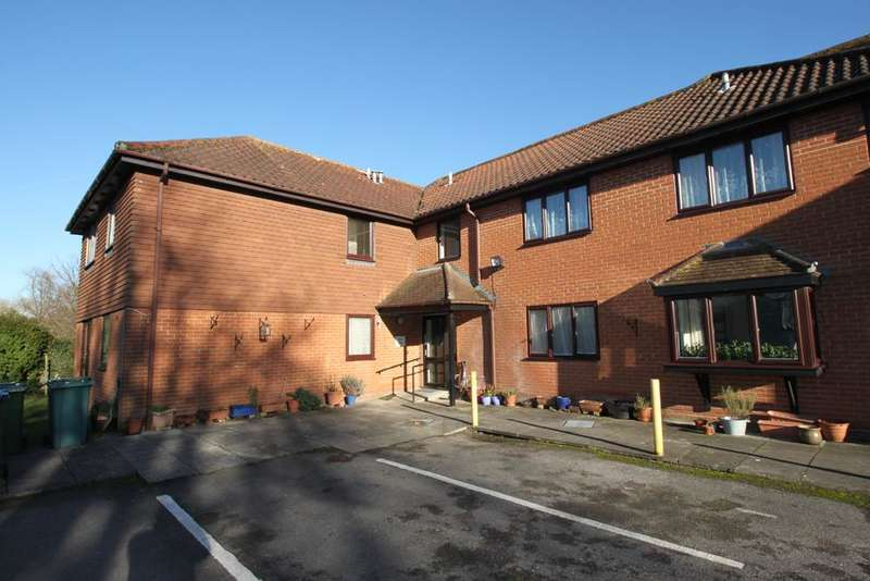 1 Bedroom Ground Flat for sale in butlers lodge, station road, overton rg25