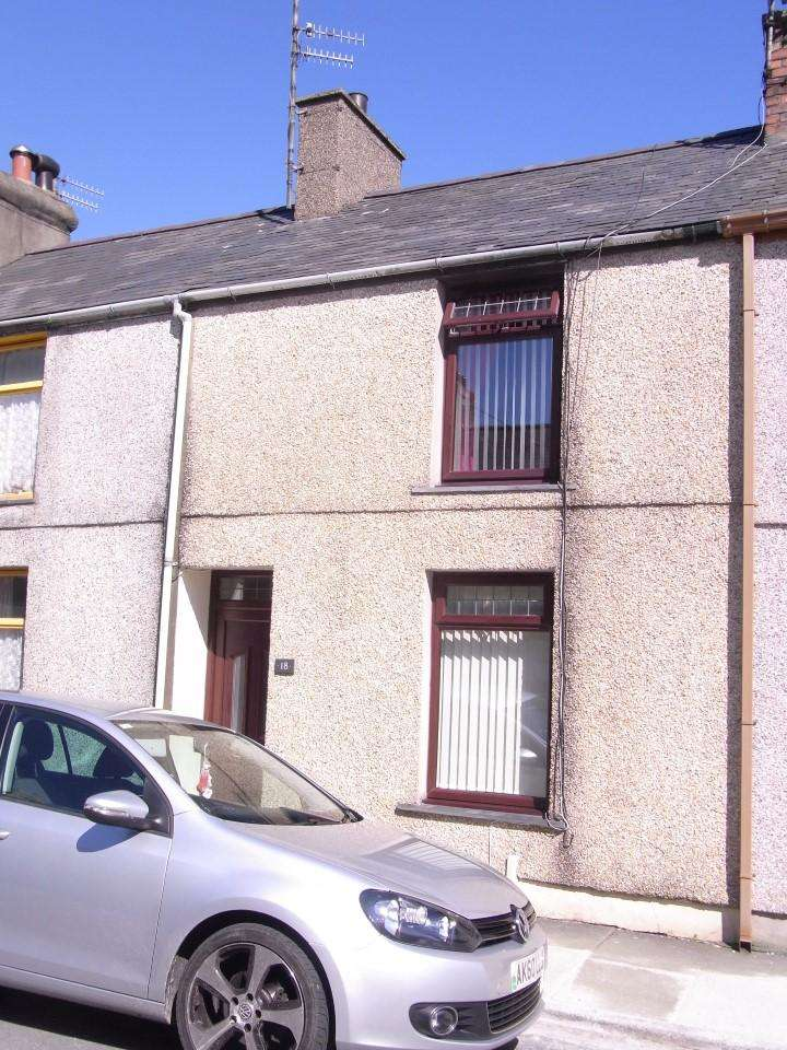 3 Bedrooms Terraced House for sale in 18 East Avenue, Porthmadog LL49