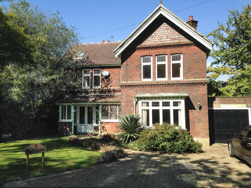 4 Bedrooms Detached House for sale in Lower Hyde Road, Shanklin PO37