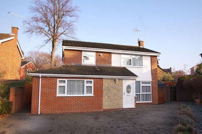 4 Bedrooms Detached House for sale in Netherby Park, Weybridge KT13