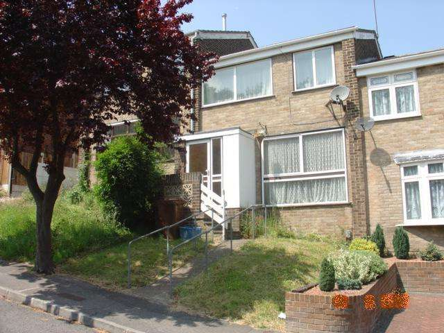 3 Bedrooms House for sale in Chatham, Kent ME5