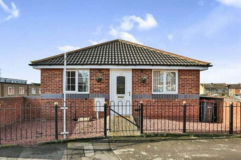 3 Bedrooms Detached House for sale in Farleys Lane, Hucknall, Nottingham, NG15