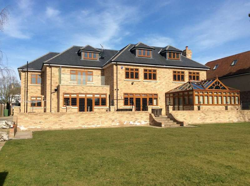 10 Bedrooms Detached House for sale in Parkstone avenue, Emerson park, Hornchurch, Essex RM11