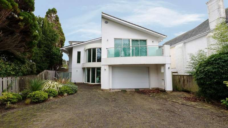 5 Bedrooms Detached House for sale in Brownsea View Avenue, Lilliput, Poole BH14