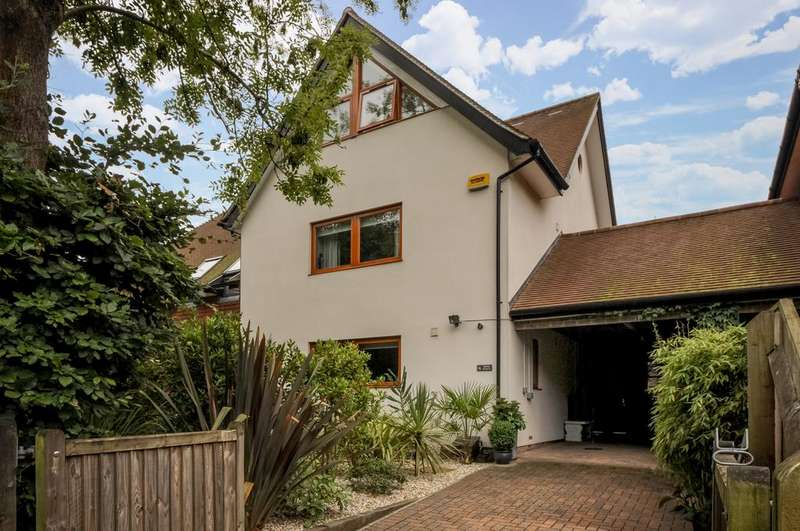 4 Bedrooms Semi Detached House for sale in Brook Avenue, New Milton BH25