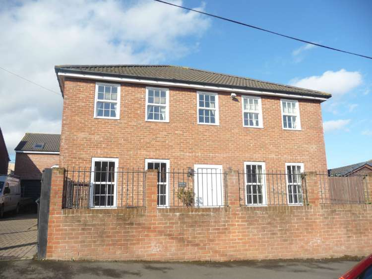 4 Bedrooms Detached House for sale in Rear Croft Terrace, New Kyo, Stanley DH9