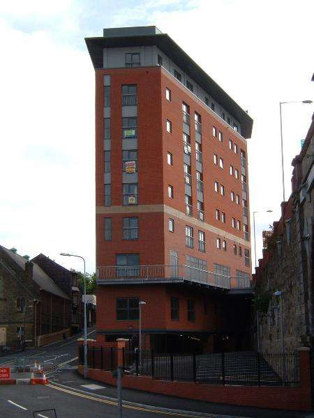 3 Bedrooms Flat for rent in 918 Marsden House, Marsden Road,, Bolton,, Greater Manchester, BL1 2JT