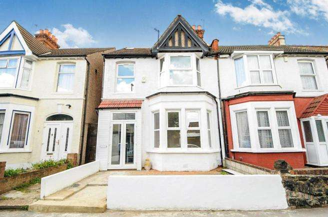 4 Bedrooms Semi Detached House for sale in Lyndhurst Road, Thornton Heath, Surrey CR7
