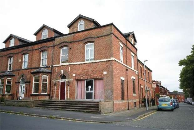 3 Bedrooms Flat for sale in Upper Dicconson Street, Wigan, Lancashire