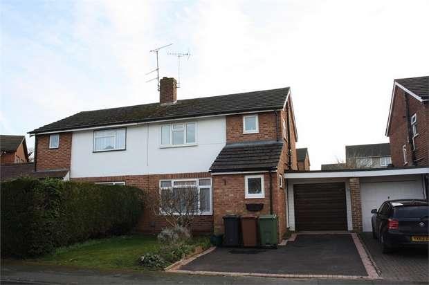 3 Bedrooms Semi Detached House for sale in Salisbury Road, Ash, ALDERSHOT, Hampshire