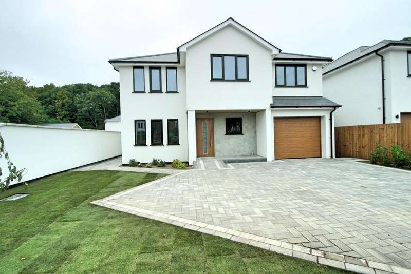 5 Bedrooms Detached House for sale in Plot 3 Hollywoods, Shipwrights Drive, Thundersley, SS7 1RF