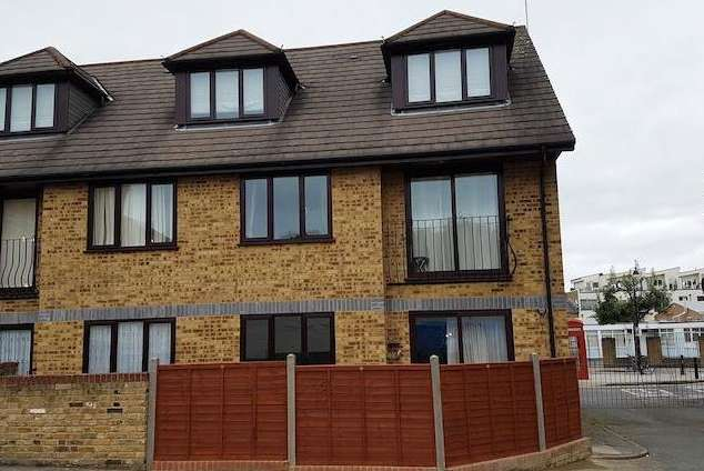 1 Bedroom Flat for sale in Shakespeare Road, Peckham SE15