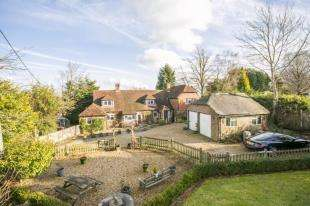 5 Bedrooms Detached House for sale in Christmas Cottage, Maynards Green, Heathfield, East Sussex