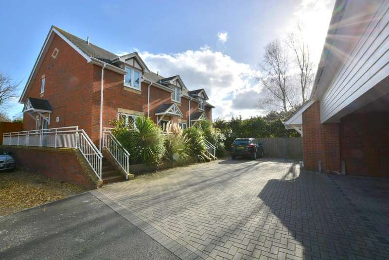 2 Bedrooms Semi Detached House for sale in Tatnam Road, Poole