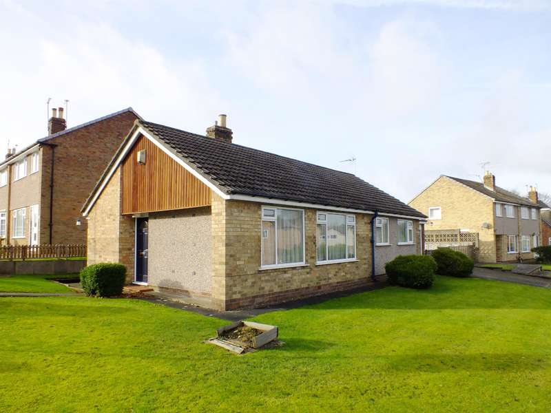 3 Bedrooms Bungalow for sale in Linton Avenue, Shadwell, Leeds, LS17 8PU