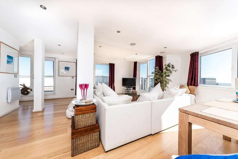 3 Bedrooms Penthouse Flat for sale in Fleet Street, Brighton, BN1