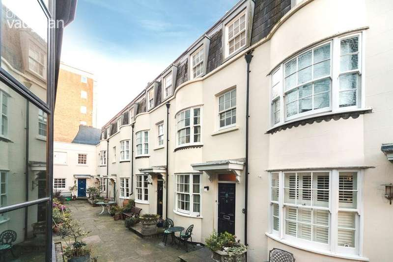 2 Bedrooms Terraced House for sale in Dolphin Mews, Brighton, BN2