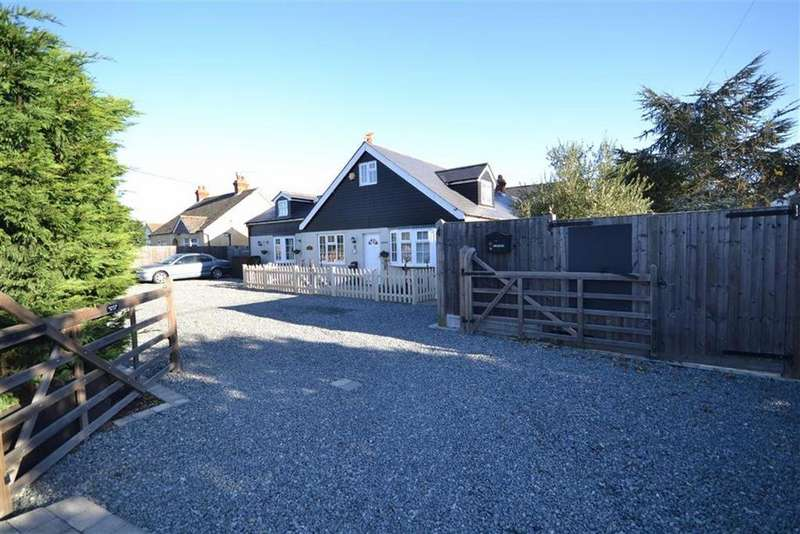 5 Bedrooms Detached House for sale in Southminster Road, Burnham-on-Crouch, Essex