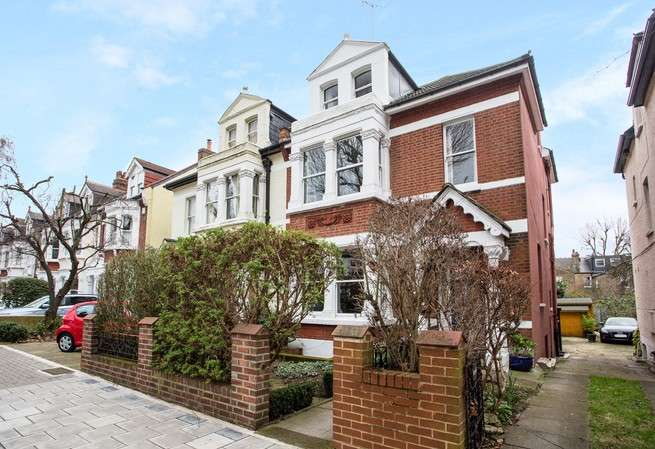 5 Bedrooms Semi Detached House for sale in Thorney Hedge Road, Chiswick