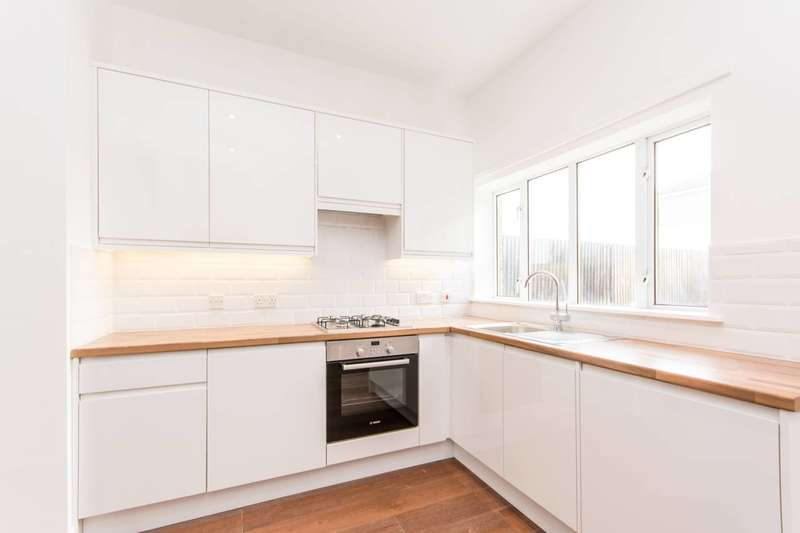 2 Bedrooms Flat for sale in St Marys Road, Harlesden, NW10