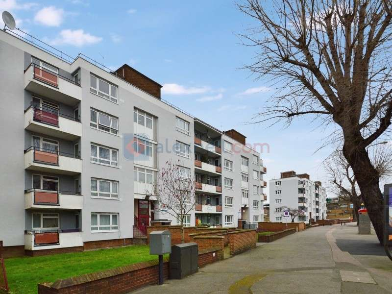 2 Bedrooms Flat for sale in Rennie Estate, Bermondsey SE16