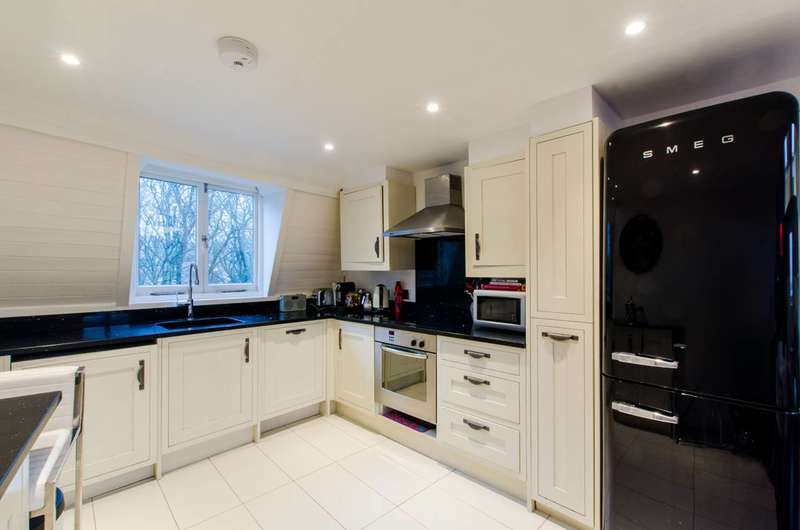3 Bedrooms Maisonette Flat for sale in South Hill Park, Hampstead, NW3
